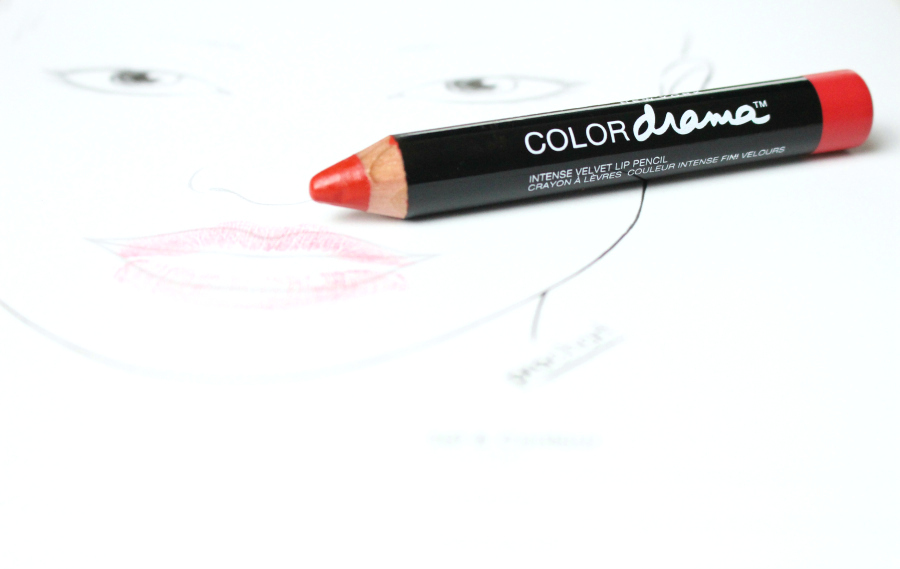 Maybelline Color Drama Intense Velvet Lip Pencil Light It Up